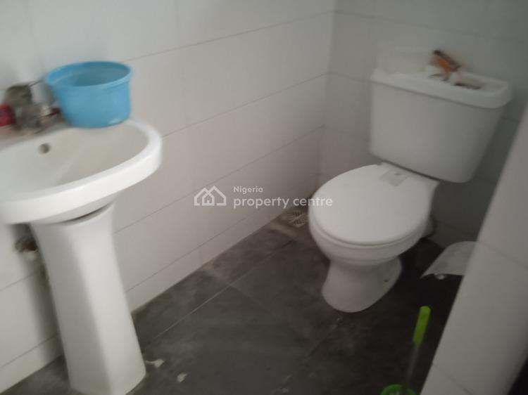 Fully Serviced 3 Bedroom Flat with a Boys Quarter, Lekki Right Hand Side, Lekki Phase 1, Lekki, Lagos, Flat / Apartment for Rent