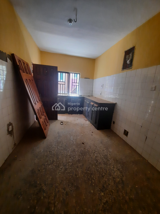 Newly Renovated 3 Bedroom Apartment, Avenue Bus Stop, Ago Palace, Isolo, Lagos, Flat / Apartment for Rent