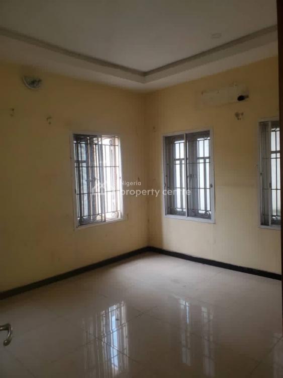Executive 3 Bedroom Flat, Iseyin Street Off Agunlejika., Ijesha, Surulere, Lagos, Flat / Apartment for Rent