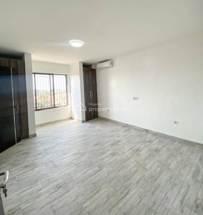 3 Bedrooms Apartment with Bq, Lekki Phase 1, Lekki, Lagos, Block of Flats for Sale