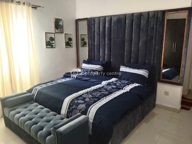 Excellently Furnished 3 Bedroom Flat with Pool & Bar, Lekki Phase 1, Lekki, Lagos, Flat / Apartment Short Let