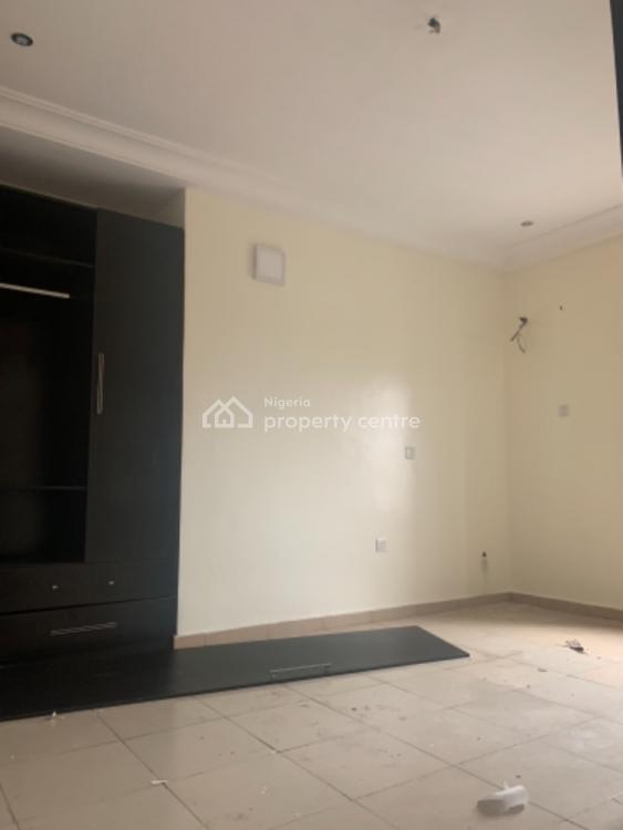 Spacious 3 Bedroom Apartment Available, Mobil Road Ilaje Ajah, Lekki Phase 2, Lekki, Lagos, Flat / Apartment for Rent
