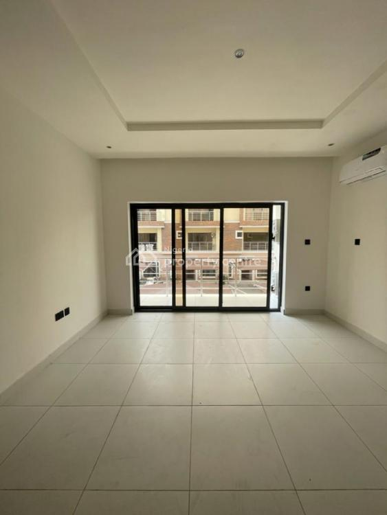 Serviced with 24hours Light New 4 Bedroom Terrace with S.pool & Gym, Lekki Phase 1, Lekki, Lagos, Terraced Duplex for Rent