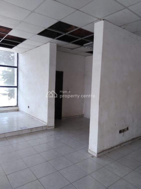 110sqm Space on First Floor, Ahmadu Bello Way, Wuse 2, Abuja, Plaza / Complex / Mall for Rent