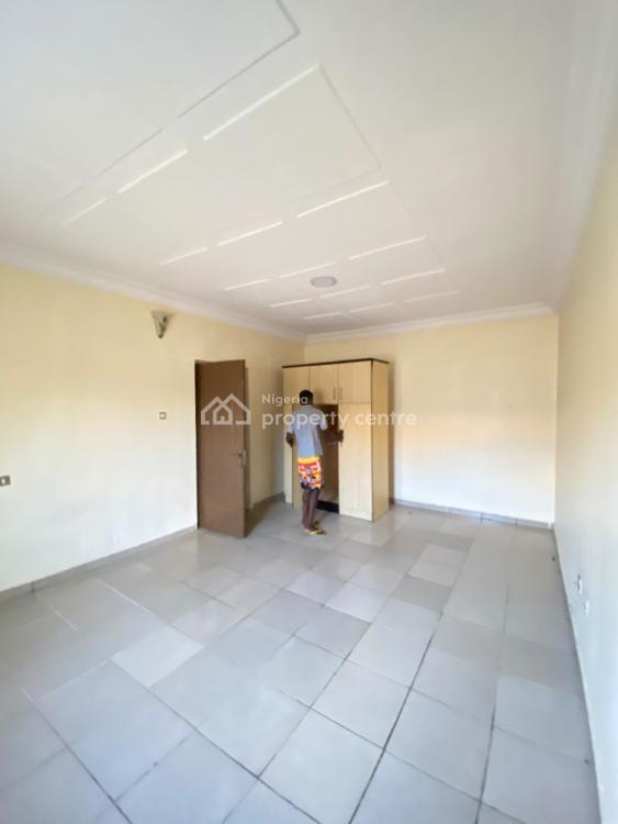 Spacious 2 Bedrooom Flat Upstairs, Idado Estate Before Chevron, Lekki Phase 2, Lekki, Lagos, Flat / Apartment for Rent
