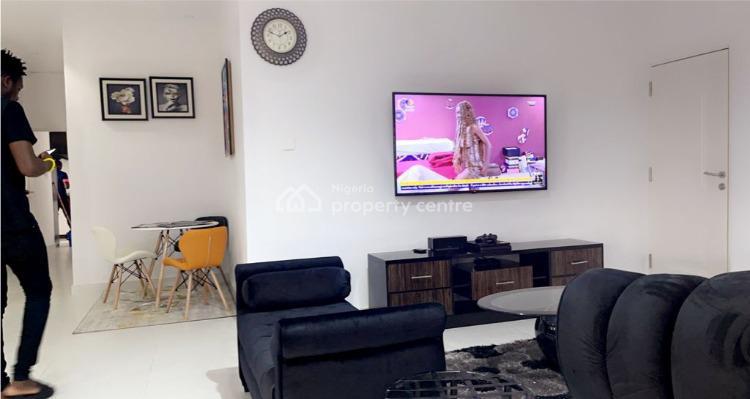 Comfortable 2 Bedrooms Pentfloor Apartment, Muri Sodiq Drive, Ologolo, Lekki, Lagos, Flat / Apartment Short Let