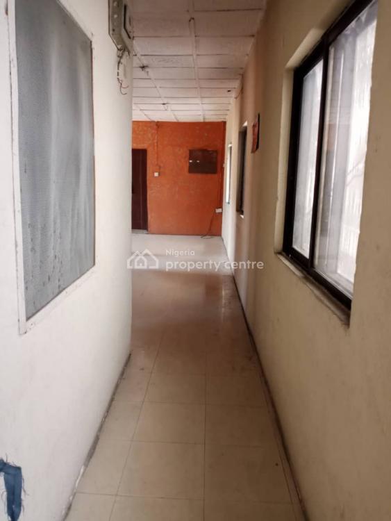 Spacious 2 Bedroom Flat with Balcony ( Upstairs ), Off Herbert Macaulay Way, Yaba, Lagos, Flat / Apartment for Rent