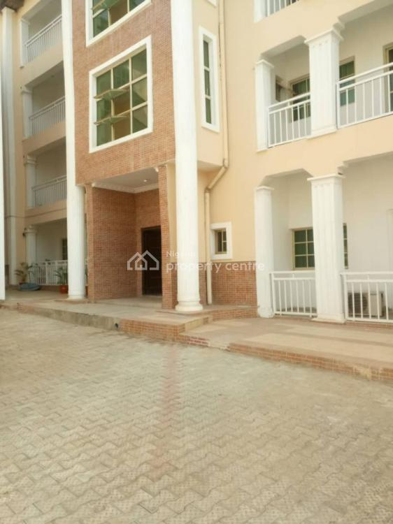Luxury 3 Bedroom + Bq., Within Ministers Hill., Maitama District, Abuja, Flat / Apartment for Rent
