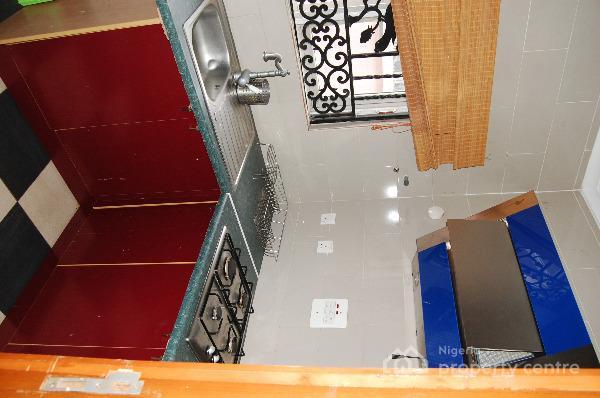 a Lovely 2 Bedroom Serviced Apartment, Opposite Polo Club Jericho Gra, Iyaganku, Ibadan, Oyo, Flat Short Let