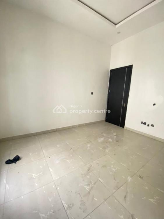 4 Bedrooms Semi Detached, Lekki, Lagos, Semi-detached Duplex for Sale