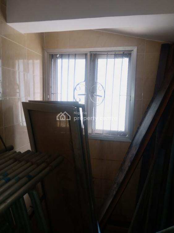 Modern 2 Bedrooms Flat, Gateway Zone, Magodo Phase 1, Isheri, Magodo, Lagos, Flat / Apartment for Rent