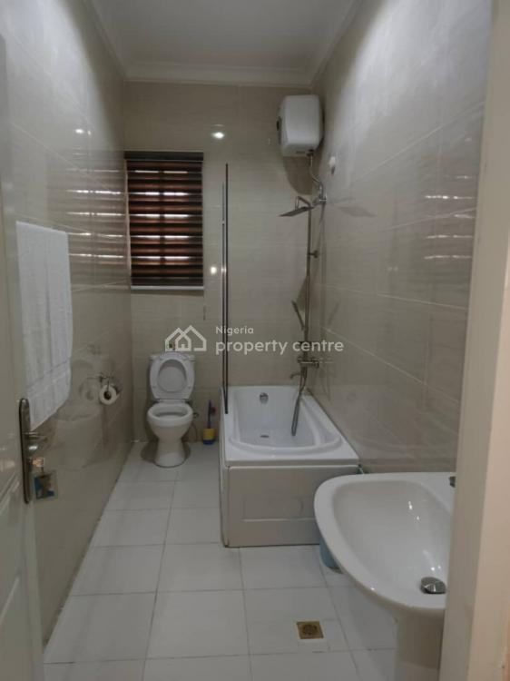 Luxury 4 Bedrooms with Standard Facilities, Guzape District, Abuja, House Short Let