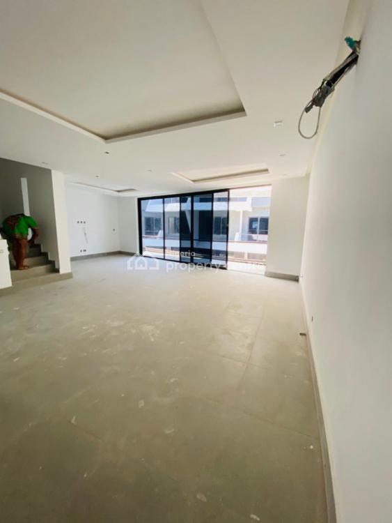 4 Bedrooms Terraced Duplex with a Room Bq, Lekki Phase 1, Lekki, Lagos, Terraced Duplex for Sale