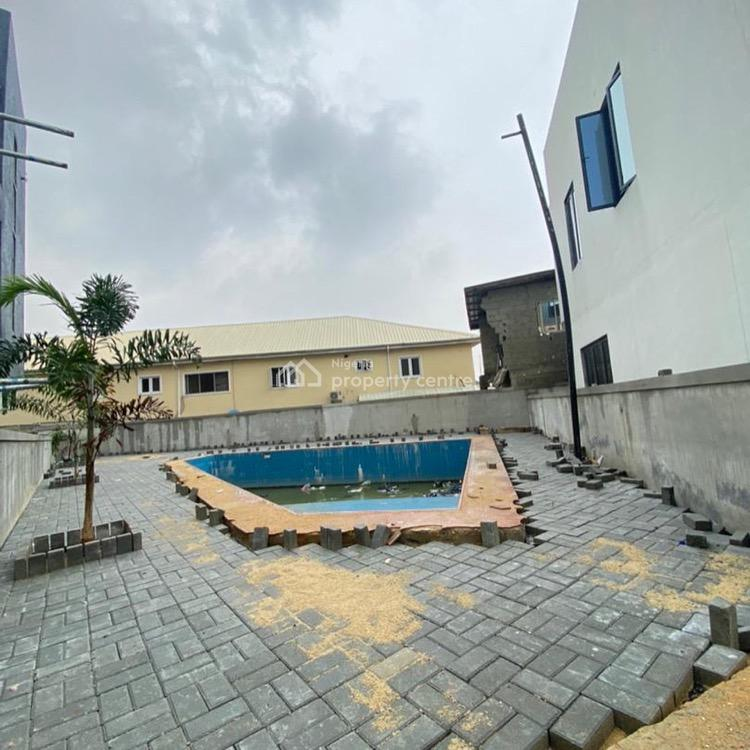 Lovely 3 Bedroom Apartment with Communal Pool and Gym, Lekki Phase 1, Lekki, Lagos, Flat / Apartment for Sale