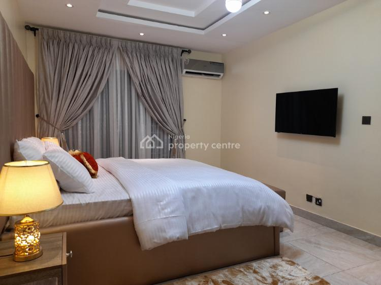 Exquisitely Furnished 3 Bedroom Apartment., 6b,freedom Way, By Ikate Bus Stop., Lekki, Lagos, Flat / Apartment Short Let