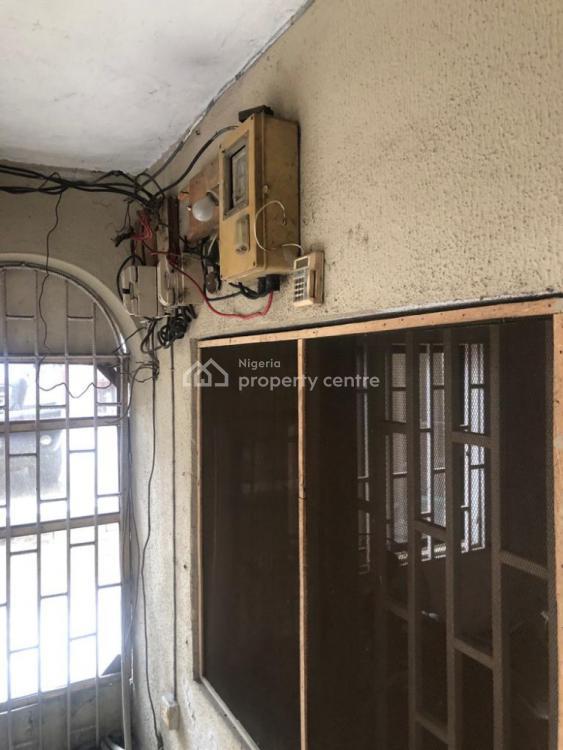Decent 3 Bedroom Flat, Pedro, Gbagada, Lagos, Flat / Apartment for Rent