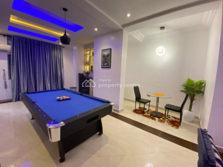 Luxurious 3 Bedroom with Internet, Swimming Pool, Snooker and Housecleaning, Gate, Lekki Phase 1, Lekki, Lagos, Flat / Apartment Short Let