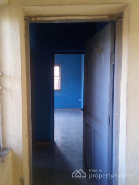 Cheap 2 Bedroom House For Rent: For Rent: Very Cheap 3 Bedroom Flat , Olaniyi Road, Fagba