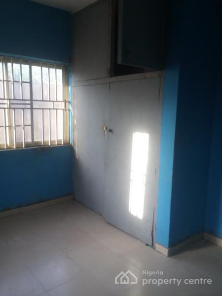 for rent very cheap 3 bedroom flat olaniyi road fagba agege