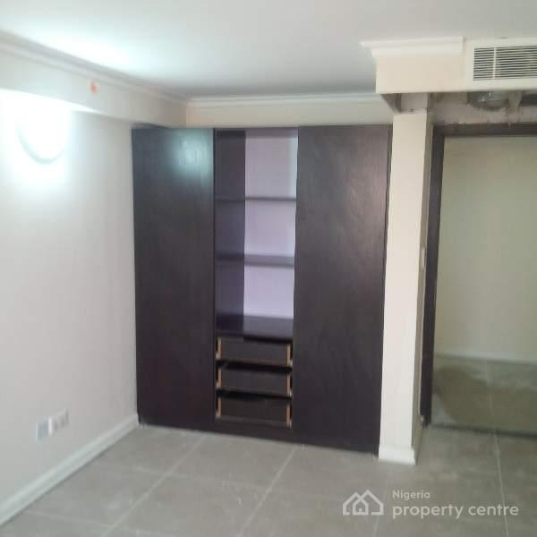 Luxury One Bedroom  Flat Apartment, Golden Tulip Hotel, Durbar Road, Amuwo Odofin, Isolo, Lagos, Mini Flat for Rent