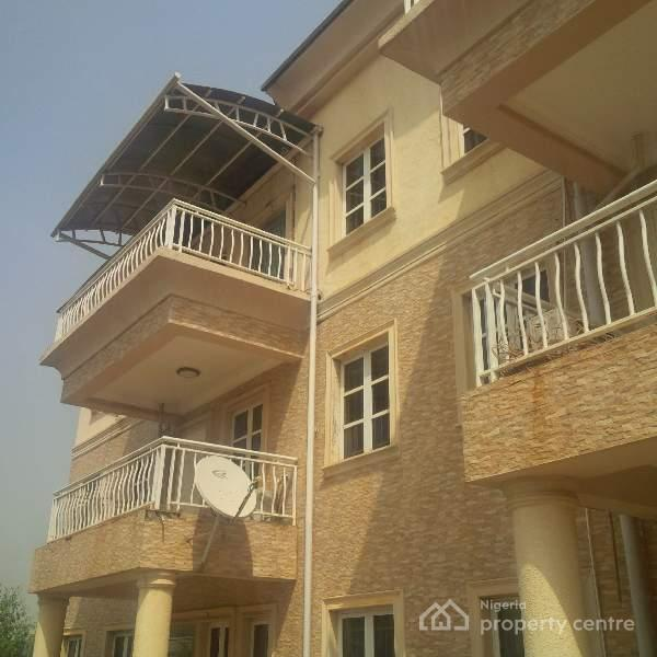 For Rent: Exquistely Finished & Serviced 5bedrooms