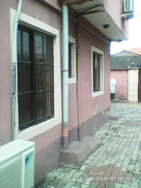 Cheap 2 Bedroom House For Rent: For Rent: 2 Bedroom, Chevron, Gbagada, Lagos