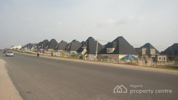 Off-plan 7 Units of 3 Bedrooms in Mini-estate, Nos 1-8 Estate Road, Fairways, Lugbe District, Abuja, Detached Bungalow for Sale