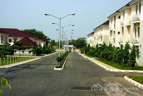 Luxury 3 Bedroom Flats with 1 Rm Bq, 20 Crown Court Estate Road, Mabuchi, Abuja, Flat for Sale