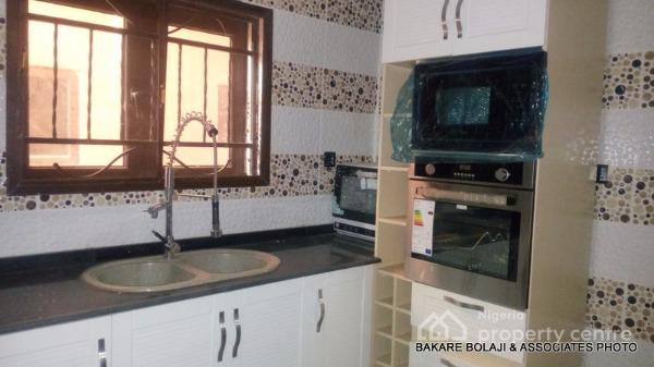 Solar & Fully Automated 4 Bedroom Duplex, Chris Oyakhilome Street, Durumi, Abuja, Terraced Duplex for Sale