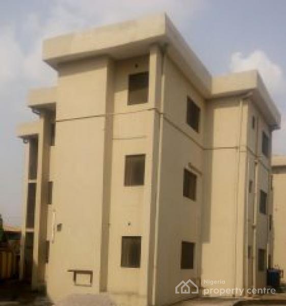 For Rent: Luxury 3 Bedroom, Ilupeju, Lagos