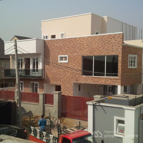 For sale 6 bedroom detached duplex gra magodo lagos for 6 bedroom duplex