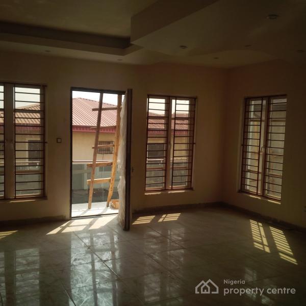 For Sale 6 Bedroom Detached Duplex Gra Magodo Lagos