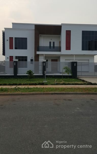 For sale humongous masterpiece 5 bedroom luxury detached for Duplex house plans with swimming pool