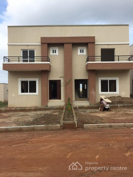 3 Bedroom Duplex House With Swimming Pool In 200 Sq Yards: 3 Bedroom Duplex With Bq, Lokogoma District, Abuja