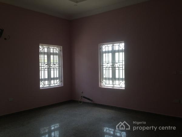 For sale lavishly and tastefully built 6 bedroom detached for 6 bedroom duplex