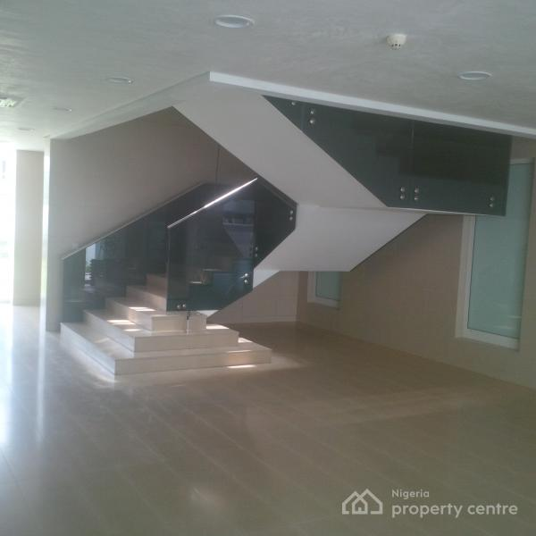 Nice 3 Bedroom House For Rent: For Rent: Fully Serviced 2 Bedroom Luxury Apartment With