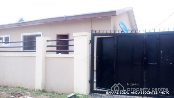 Simple 2 Bedroom, House 10, 1st Avenue, 1e Road By Nepa Office, Fha, Lugbe District, Abuja, Flat for Rent