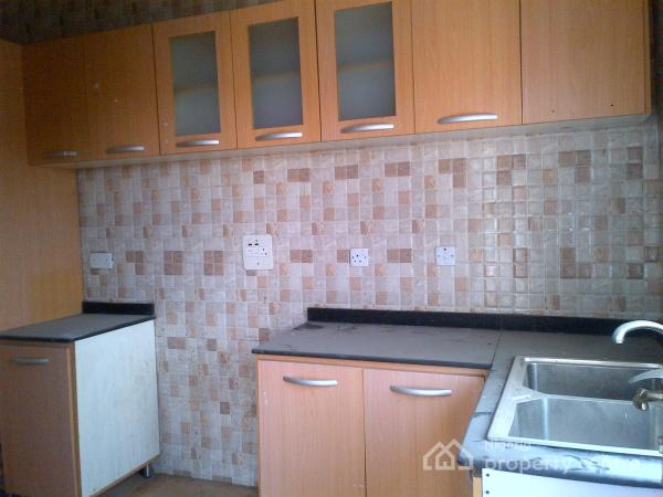 Beautiful & Clean! Two Bedroom Flat On The Ground Floor Of A
