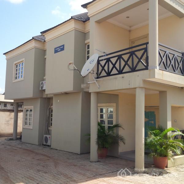 2 Or 3 Bedroom For Rent: Luxury 3 Bedroom Flat, Ikeja, Lagos