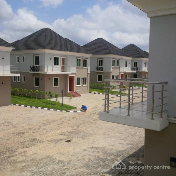 For Sale: Luxury Finished And Serviced 4 Bedroom House