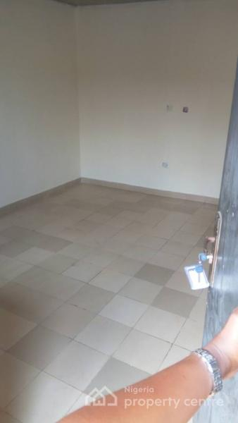 Self Contained, Platinum Plaza, Jahi, Abuja, Self Contained (studio) Flat for Rent