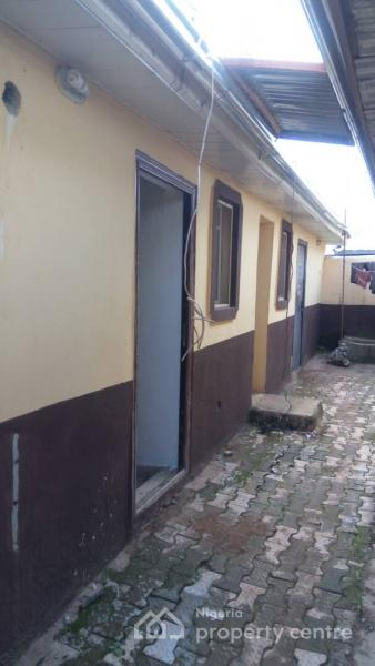 Self Contained, Platinum Plaza, Jahi, Abuja, Self Contained (single Room) for Rent