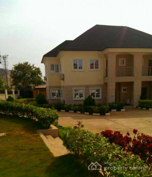 For Rent: Tastefully Crafted 4 Bedroom Duplex With Bq