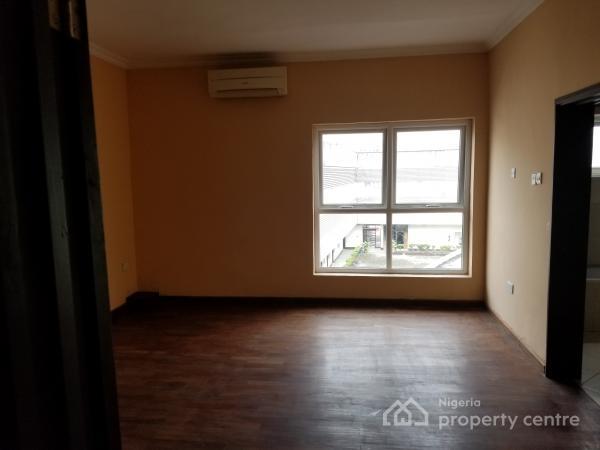 5 Bedroom Terrace, Mosley Road, Ikoyi, Lagos, Terraced Duplex for Rent