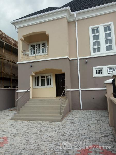 3 Bedroom Duplex House With Swimming Pool In 200 Sq Yards: For Rent: Luxury 3 Bedroom Duplex With 2 Rooms Bq And