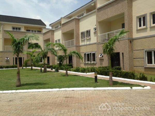 Umrah Banner: Flats, Houses & Land For Rent In Utako, Abuja, Nigeria