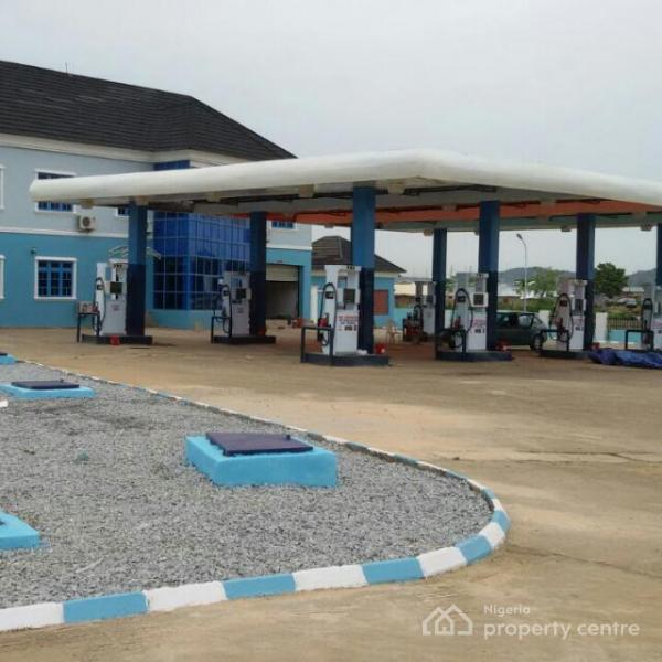 Filling Station with 16 Nozzles, on Umar Yaradua Airport Expressway, Lugbe District, Abuja, Filling Station for Sale