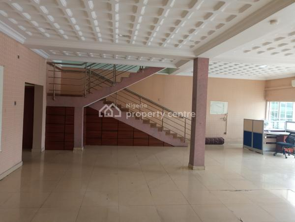a Highly Classy & Attractive Showroom with Commercial Credibility, Oribanwa B/stop, Lekki-epe Express, Ibeju Lekki, Lagos, Office Space for Rent