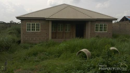 For sale 4 bedroom flats ensuite aluminium roofing and for Types of houses in nigeria