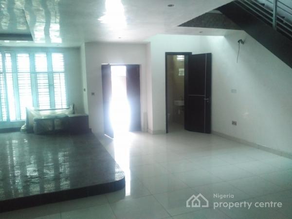 Luxury 5 Bedroom House, Off Admiralty Way, Lekki Phase 1, Lekki, Lagos, Terraced Duplex for Rent